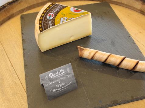 Constant Fromages & Sélections - Raclette Badoz Au Lait Cru La Cendrée Du Haut-doubs, Part De 500g Environ
